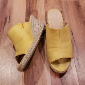 Wanted suedette wedge